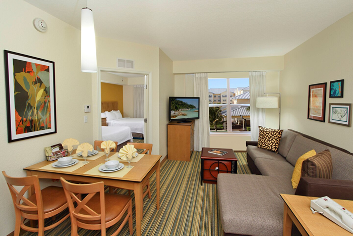 Residence Inn by Marriott Queen Suite