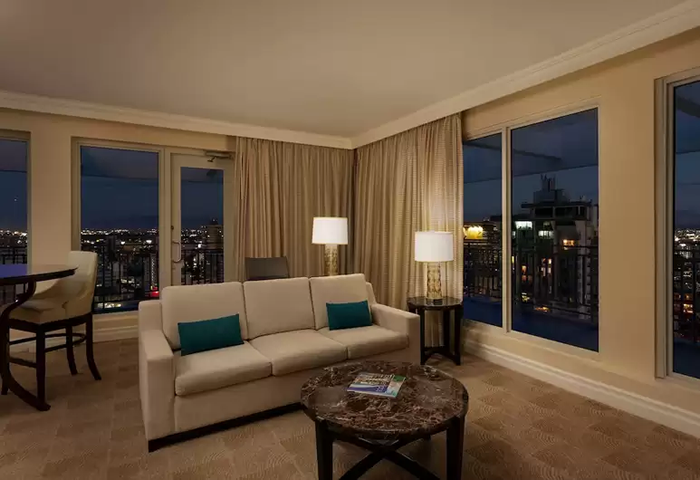 SAN JUAN MARRIOTT RESORT & STELLARIS CASINO EXECUTIVE SUITE
